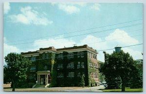 Postcard DE Milford L.D. Caulk Company Administration Building Dental Lab N13