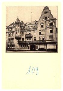 Hotel und Bauhaus, Goldener Brunnen Wiesbaden
