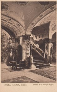 BERLIN , Germany , 1900-10s ; HOTEL ALON , Halle mit Haupttreppe
