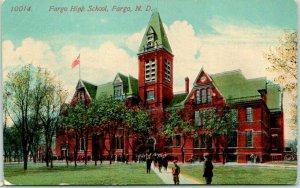 Fargo, North Dakota Postcard FARGO HIGH SCHOOL Building Students 1915 RPO Cancel