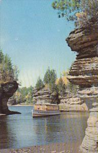Lovers Lane At Lone Rock Lower Dells Of The Wisconsin River Wisconsin Dells W...