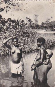 RP: AFRIQUE NOIRE , La causette , 1956 ; CAMEROON