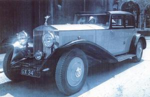 Postcard Nostalgia 1920's Rolls Royce Sedan Lady Chauffeuse Reproduction Card