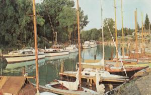 GRAND BEND , Ontario , 50-60s ; Yachts & Sailing Craft, Aux Sables River