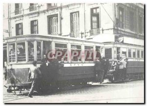 Postcard Modern Line Hotel de Ville - Michon Motor H and D trailer leaving th...