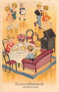 US3414 happy birthday party dance cake gossip zum Geburtstage, Children at Table