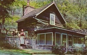 Museum Homesteader's Cabin Little Norway Valley Of The Elves Blue Mounds...