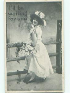 Divided-Back PRETTY WOMAN Risque Interest Postcard AA8083