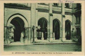 CPA Angouleme- Cour interieure de l'Hotel de Ville FRANCE (1073932)