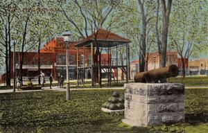 Marion Iowa~City Park~Cannon & Balls~Delphos 5c Theatre~Lamp Post~Fountain~1908