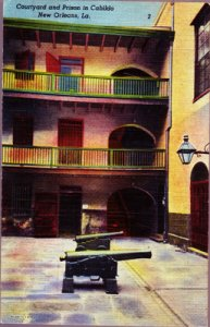 NEW ORLEANS - COURTYARD & PRISON IN CABILDO...View of 2 cannons +  1940s era