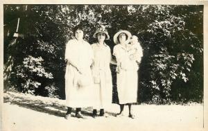 Vintage Real Photo Postcard~1920s Fashion~Ladies & Baby~Hats~RPPC