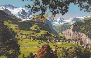 Schweiz Wengen mit Jungfrau und Breithorn