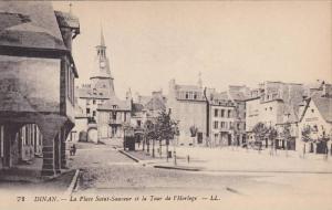 La Place Saint-Souveur Et La Tour De l'Horloge, Dinan (Côtes-d'Armor), Franc...