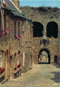 Postcard France Dinan La rue et la porte du Jerzual
