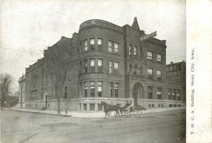 Sioux City Iowa~YMCA Building~Robert Burns Cigars~Horse & Buggy~1910 Postcard