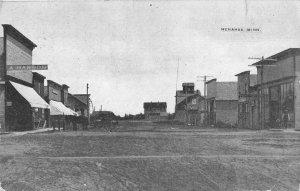Menahoa Minnesota Street Scene Business District Vintage Postcard JJ658992