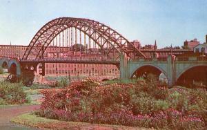NH - Manchester. Notre Dame Bridge
