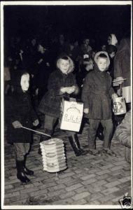 St. Martin's Day, Children Chinese Lanterns (1963) RP