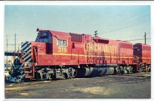 Lehigh Valley 319 Electro GP 38-2 Railroad Train Newark New Jersey postcard
