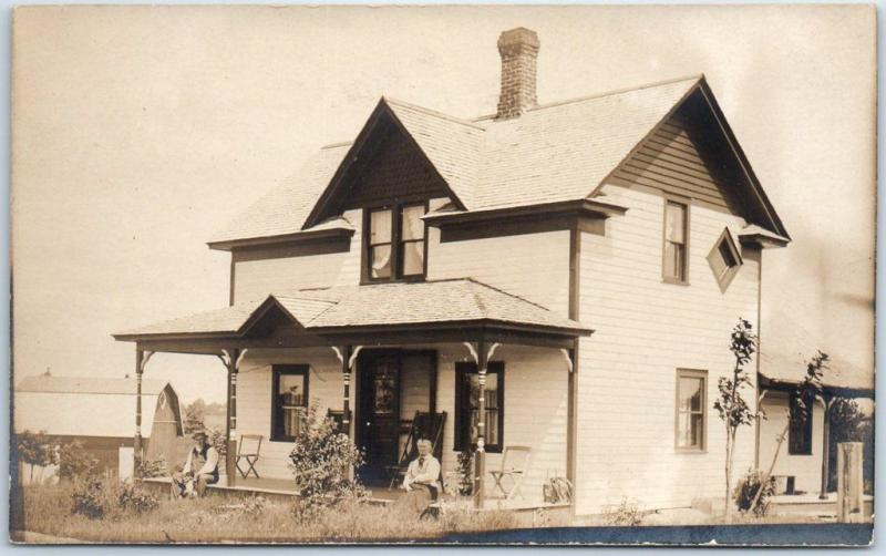 1910s RPPC Real Photo Postcard Older Couple Opposite Sides of House Porch Oregon