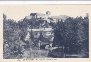 France Lourdes Le Chateau et le Gave