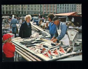 210034 NORWAY BERGEN fish market old postcard