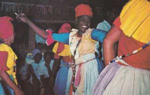 PORT-AU-PRINCE , Haiti , 50-60s : VOODOO Dancer