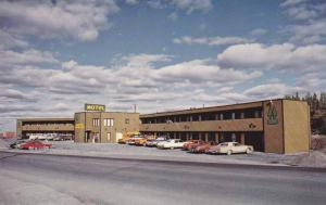 Twin Pine Motor Inn , YELLOWKNIFE , N.W.T. , Canada , 40-60s