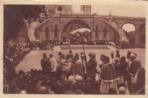 LOURDES, France, PU-1935; Benediction des Malades