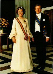 CPM AK HM Koningin Beatrix en ZKH Prins Claus DUTCH ROYALTY (815268)