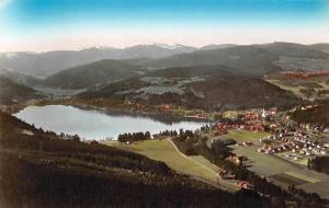 Schwarzwaldkurort Titisee mit Blick auf Feldberg Gesamtansicht Lake Lac Panorama