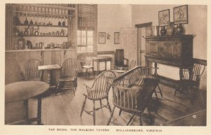 WILLIAMSBURG , Virginia , 1910-30s ; Raleigh Tavern , Tap Room