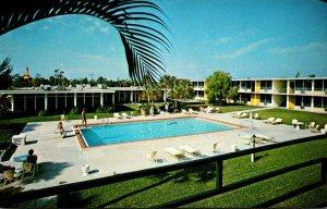 Florida Naples Holiday Inn U S 41 At 10th Avenue North