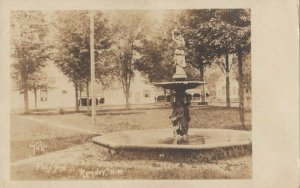 RP; RUMNEY , New Hampshire , 1910-20s ; The Fountain