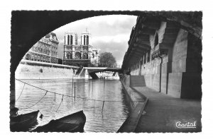 RPPC France Paris Promenade sous le Ponts Walk Under The Bridges Chantal Postcar
