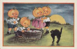 Pumpkin Head kids HALLOWEEN , Pooh! Who's afraid, 00-10s ; Black cat