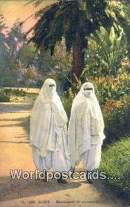 Mauresques en promenade Alger Algeria, Africa, Unused