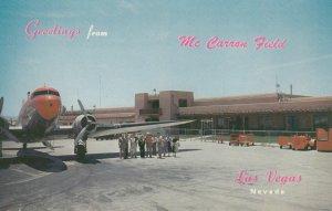 LAS VEGAS , Nevada , 50-60s ; Prop airplane at airport