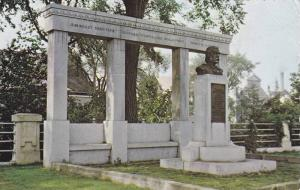 Monument de Laverendrye, Terrassee Turcotte, Jean Nicolet, Pierre Pepin, Troi...