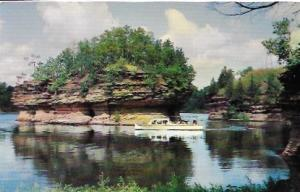 US  Sight-seeing boat on the Lower Dells, Wisconsin.