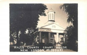 LPSS05 New London Missouri Ralls County Court House Postcard RPPC