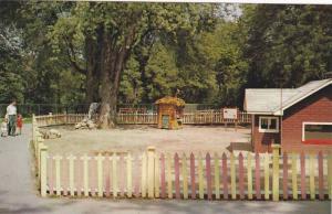 Storybook Gardensy, Springbank Park, Story of Three Little Pigs, London, Onta...