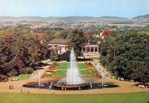 Staatsbad Bad Oeynhausen Leuchtfontaene und Wandelhalle, Wiehengebirge