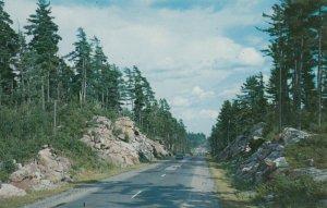 MINDEN , Ontario , 1955  ; Road
