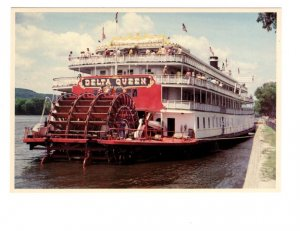 Legendary Delta Queen Steamboat, Mississippi River
