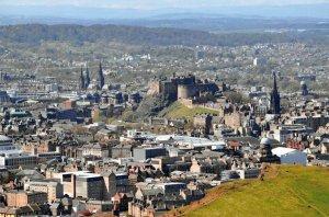 Pack of 10 New Glossy Edinburgh Postcards by Cavalier 88G