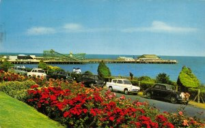 Essex Postcard Clacton On Sea The Pier from Marine Parade West, Classic Cars GP9