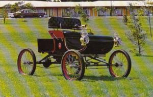 1901 Curved Dash Oldsmobile