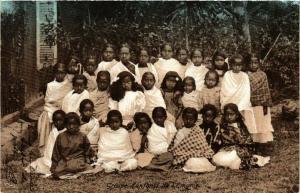 CPA Groupe d'enfants de l'Emyrue MADAGASCAR (819987)